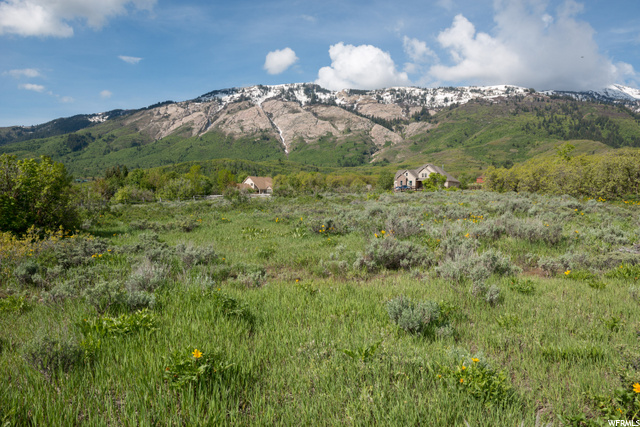 Additional photo for property listing at 2020 E 5950 N  Liberty, Utah 84310 États-Unis