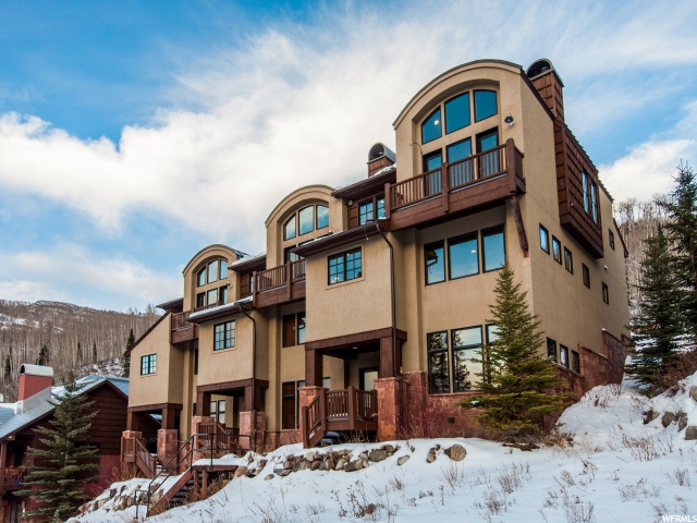 Condominio por un Venta en 12150 E BIG COTTONWOOD Road 12150 E BIG COTTONWOOD Road Unit: 001 Solitude, Utah 84121 Estados Unidos