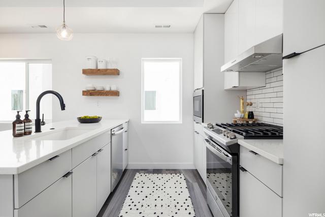 Kitchen - Level 2: Similar Unit Shown